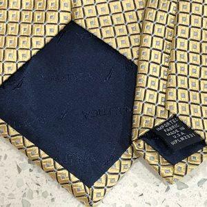 Nautica Accessories - Nautica Geometric Gold Silk Designer Tie EUC 3 1/2